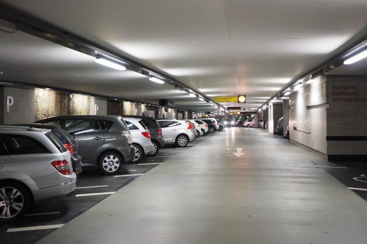 Parkos: la solución ideal para aparcar cerca de los aeropuertos