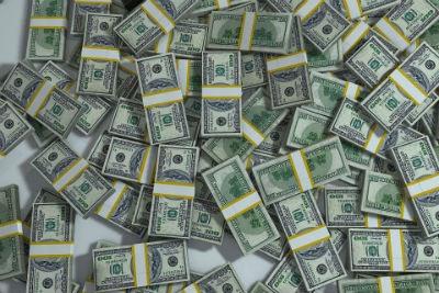Existe infinidad de formas para trabajar en este medio, a continuación, se presentan las más viables y conocidas para conseguir dinero.