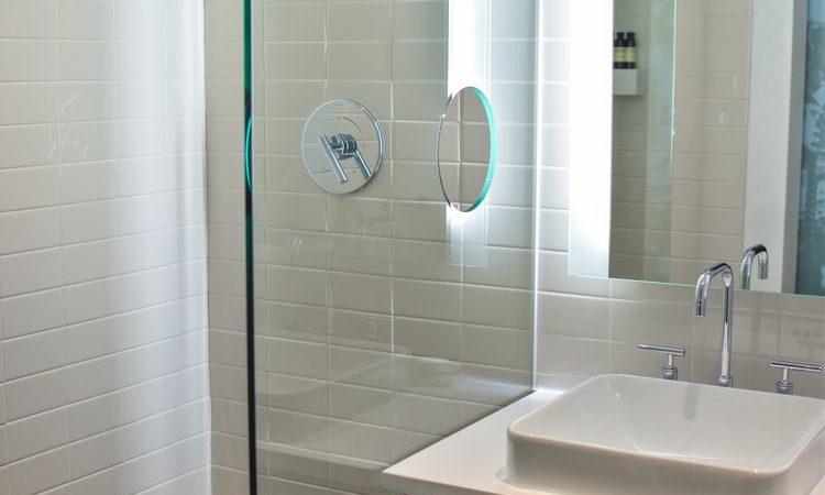 Cambia tu bañera por una ducha