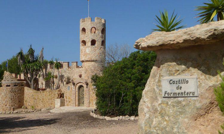 Crece el alquiler de motos en Formentera