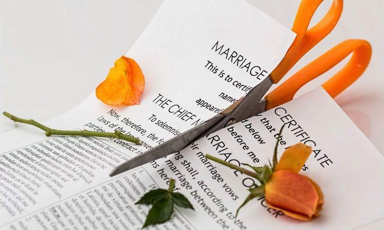 ¿Cuál es el procedimiento para avanzar en un divorcio sin hijos en Madrid?