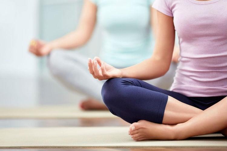 Las mejores prendas de ropa para practicar yoga