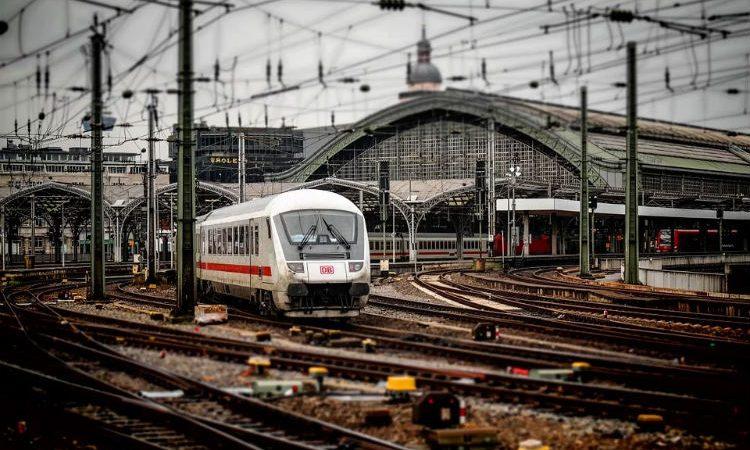 Descubre cómo conseguir los billetes de tren y AVE más económicos y con las mejores tarifas