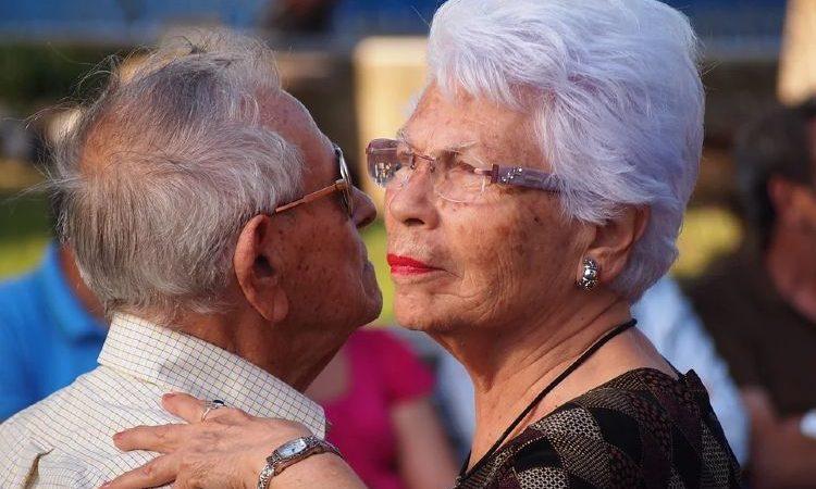 Consejos para conseguir pareja después de los 50 años