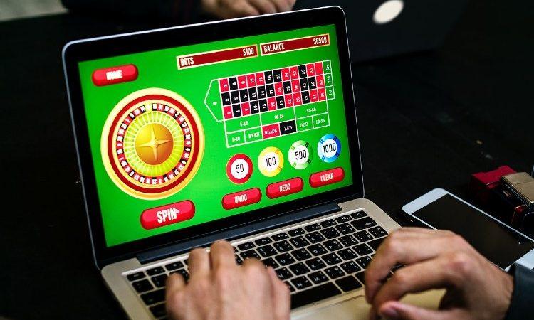 Casinos online: se acelera el crecimiento del sector en los últimos meses