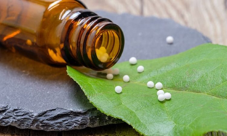 La balanza de los riesgos y beneficios de la medicina natural