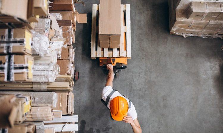 Herramientas y servicios que necesita una empresa de transporte de materiales y mercancías pesadas