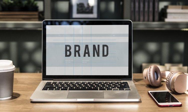 Dos estrategias de branding digital, a examen