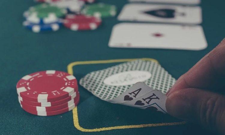CONOCIENDO EL BLACKJACK: La emoción del juego del 21