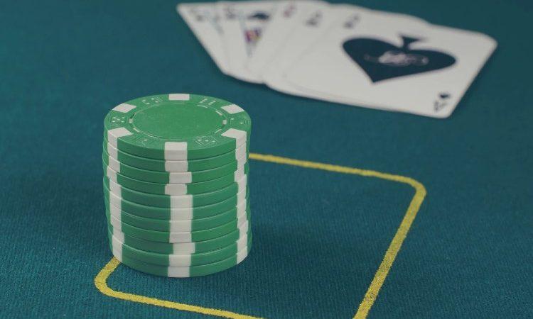 Consejos esenciales para jugadores principiantes del póker