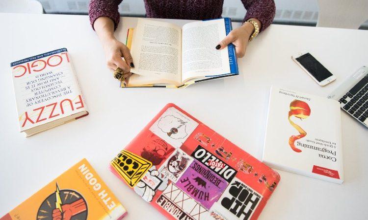 ¿Por qué recurrir a una imprenta online para ver nuestro libro en papel?