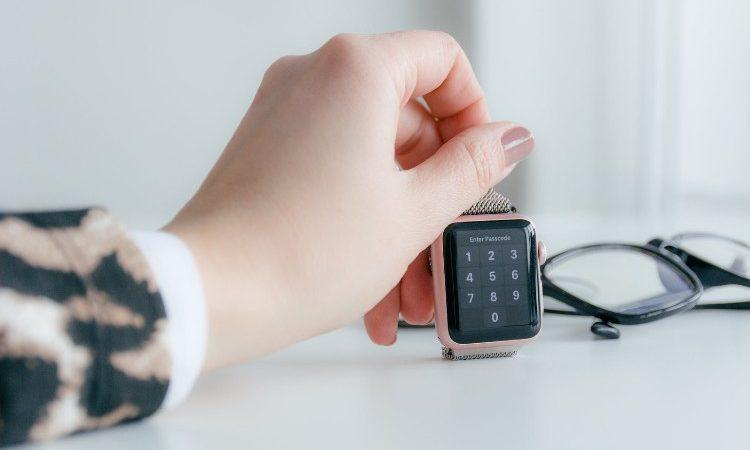 ¿Cómo debes escoger un smartwatch para mujer y dónde puedes encontrarlo?