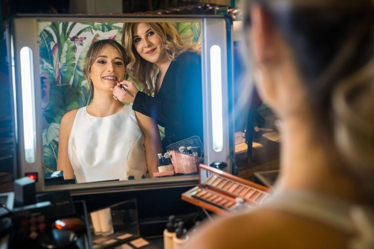 Cómo elegir la base de maquillaje adecuada