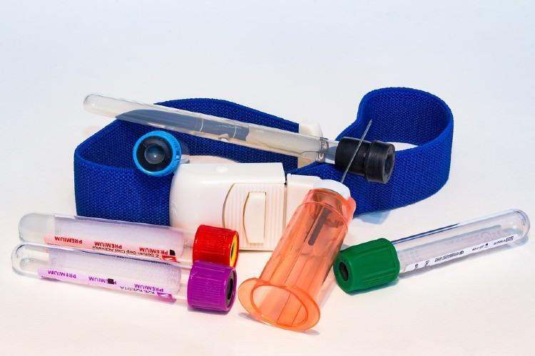 ¿Por qué es importante el uso de material desechable en el ámbito sanitario?