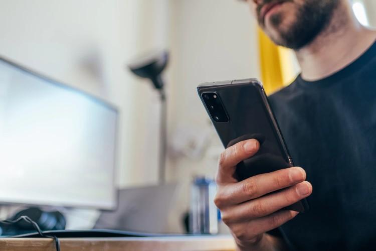 ¿Qué debemos tener en cuenta a la hora de comprar un móvil reacondicionado?