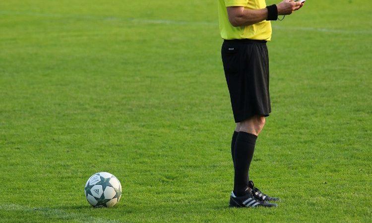 Los árbitros de fútbol mejor pagados